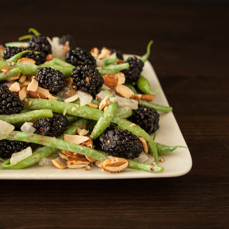 Green Bean Salad with Blackberries and Creamy Sweet Onions